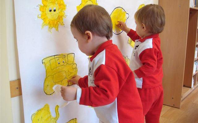 Grupos 1-2 años - Fiesta del color amarillo - Escuela Infantil Pecas